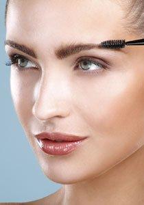 Wow-Brauen:  Wie Sie Ihre Augenbrauen perfekt schminken