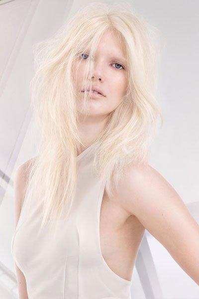frisuren 2015 stufenschnitt f r langes haar cool blondes. Black Bedroom Furniture Sets. Home Design Ideas