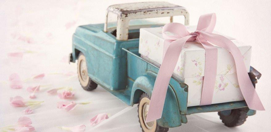 Hochzeitsgeschenk Geld: Wie viel steckt man ins Kuvert?
