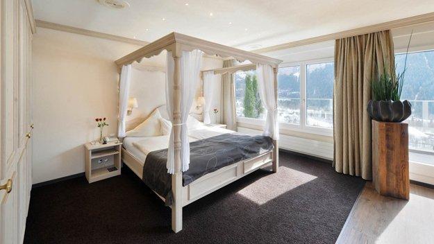 Für eine Auszeit zu zweit können Paare im Eiger Selfness Hotel einen Loveroom buchen.