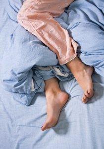 Schneller Einschlafen statt ewig Schäfchen zählen: So besiegst du Schlaflosigkeit