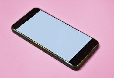 Besseres Sexting: 10 Tipps, damit der Dirty Talk nicht peinlich wird