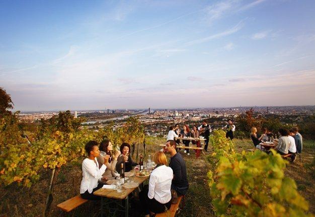 Weinstadt Wien: Was die Wiener Heurigen so aussergewöhnlich macht
