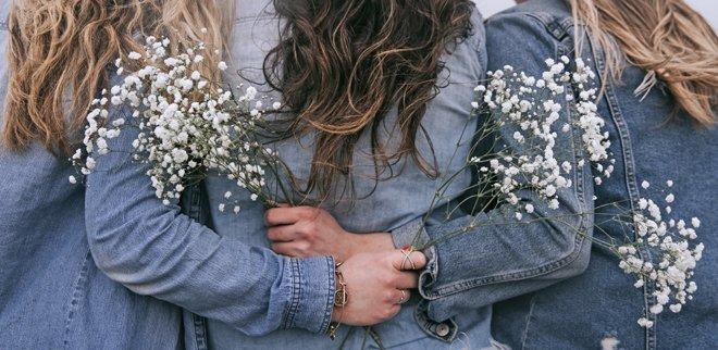 30 Ideen für Aktivitäten mit Freunden: Blumensträusse binden