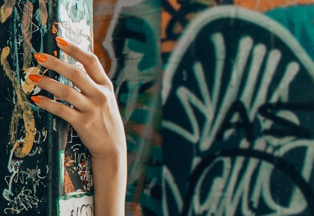 Almond Nails: So trägst du den Nageltrend