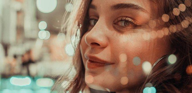 Vermeintlich unperfekt: Augenringe im Trend