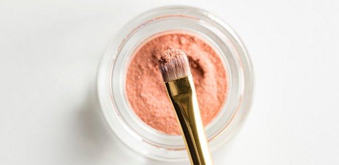 Kosmetika Haltbarkeit: Daran erkennst du, wenn deine Beauty-Produkte abgelaufen sind.