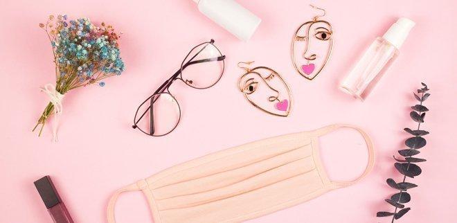 Das Make-up auf Mundschutz und Brille abzustimmen, kann eine echte Herausforderung sein.