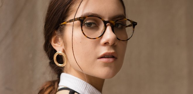 Schminken mit Brille: Make-Up für Brillenträger
