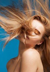 Abgespeckt! Die beste Pflegeroutine für fettiges Haar