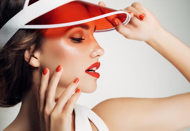 Gelnägel FAQ: Was du über künstliche Nägel, Acrylnägel und Gellack wissen musst