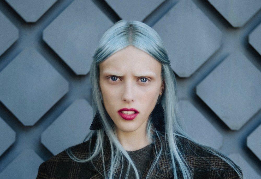 Haare selber tönen: 7 Fehler, die du vermeiden solltest