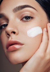 Von 20 bis 50: Richtige Gesichtspflege für jedes Alter