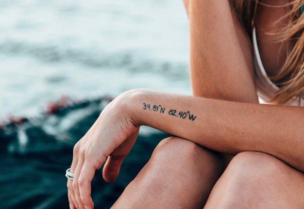 Wir lieben feine Linien: Die besten minimalistischen Tattoos