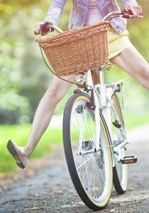 Beauty Lexikon: Wie Sie Krampfadern und Besenreiser vorbeugen und behandeln