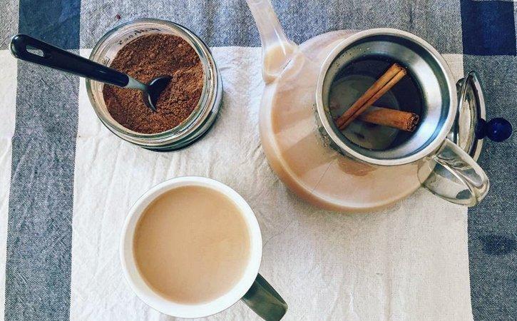 chai latte einfaches rezept f r zuhause. Black Bedroom Furniture Sets. Home Design Ideas