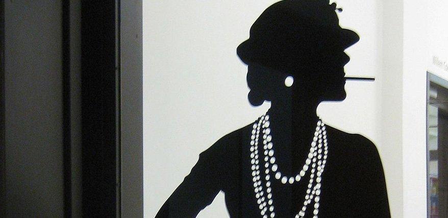 Coco Chanel: Porträt einer Stilikone