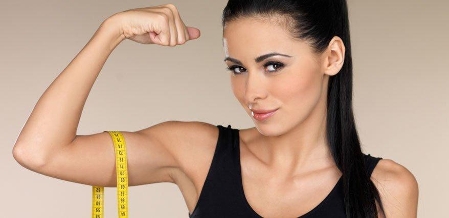 Richtig trainieren im Fitnessstudio: Ein Guide für Powerfrauen