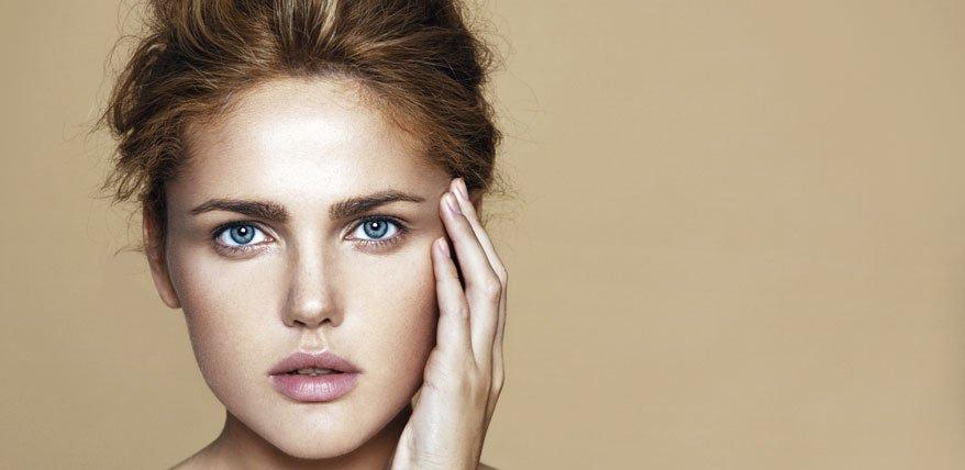 Beauty-Expertin Petri verrät wie man geplatzte Äderchen im Gesicht verhindern kann.