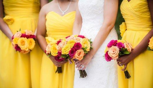 Geschenke für Brautjungfern: Begeisterte Bräute bedanken sich