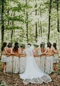 Brautjungfern: Sinnloser Trend oder schöne Tradition?