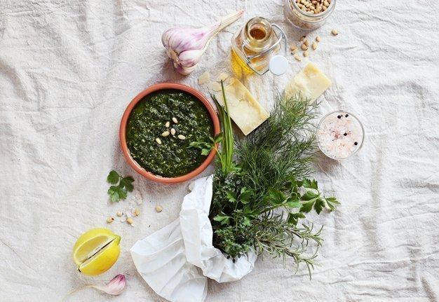 Pesto selber machen: Schnelle Rezepte und praktische Tipps