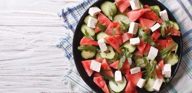 Melonensalat mit erfrischender Gurke