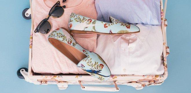 Vêtements dans une valise