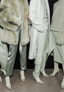 Monochrome Look: Fashion Inspo für einfarbige Outits