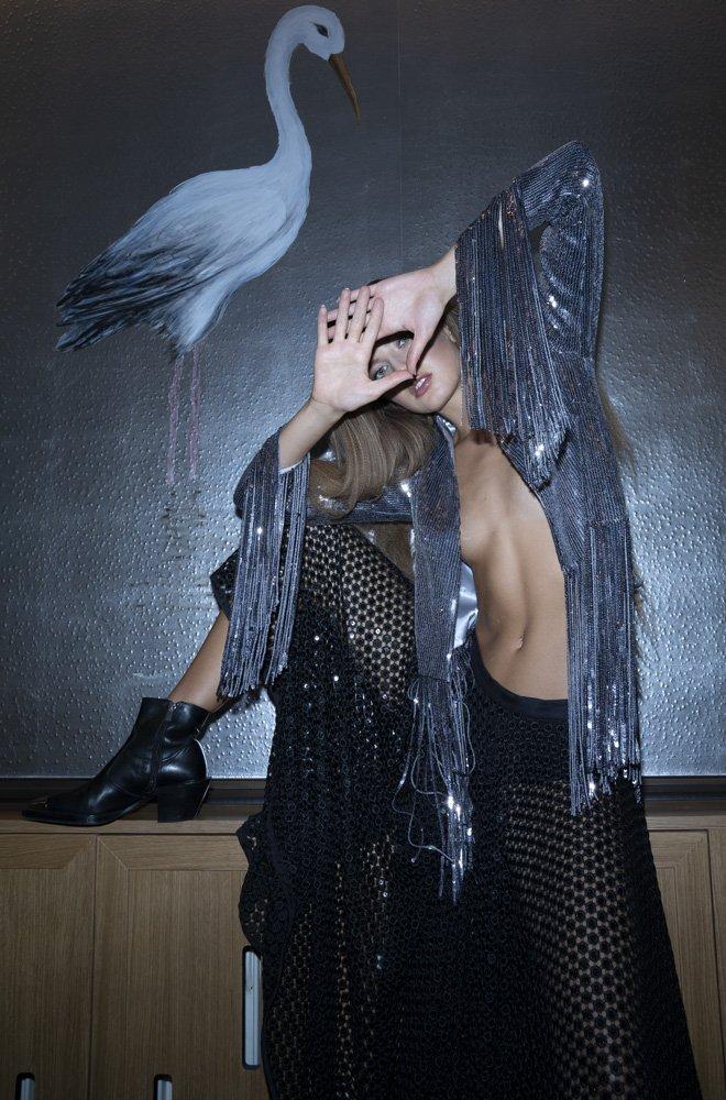 Herbst-Modetrend: Glitzerjacke mit Fransen