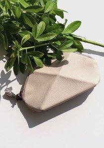 lara kazis: Die beste Schweizer Online-Adresse für einzigartige Handtaschen
