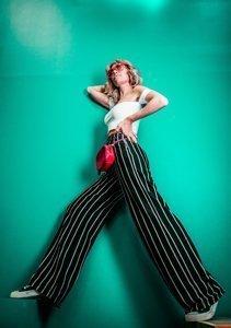 Mode für kleine Frauen: Wie du dich grösser mogelst