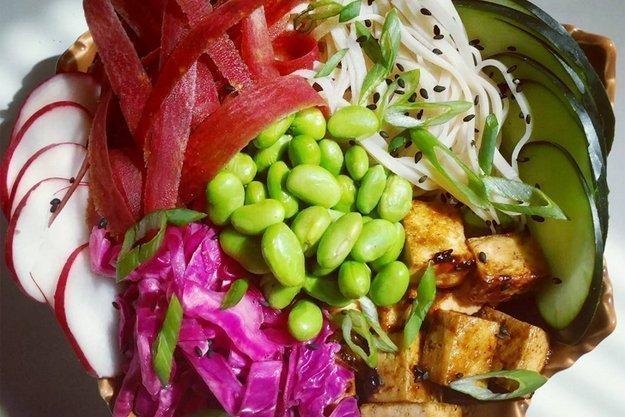 Poké Bowl mit Tofu
