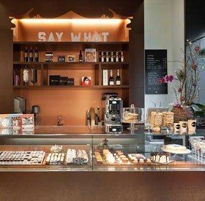 Say Chocolate: Zürcher Boutique und Webshop für personalisierte Geschenke aus Schokolade.