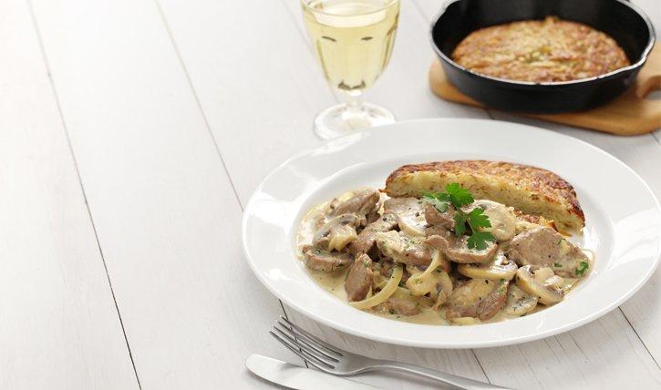 Schweizer Rezepte: Rösti mit Zürcher Gschnetzelts