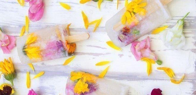 Wassserglace selber machen: Eis mit Stil Flower Power