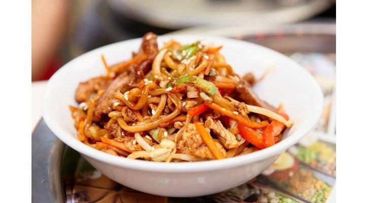 Scharfe Thai Nudeln leicht gekocht