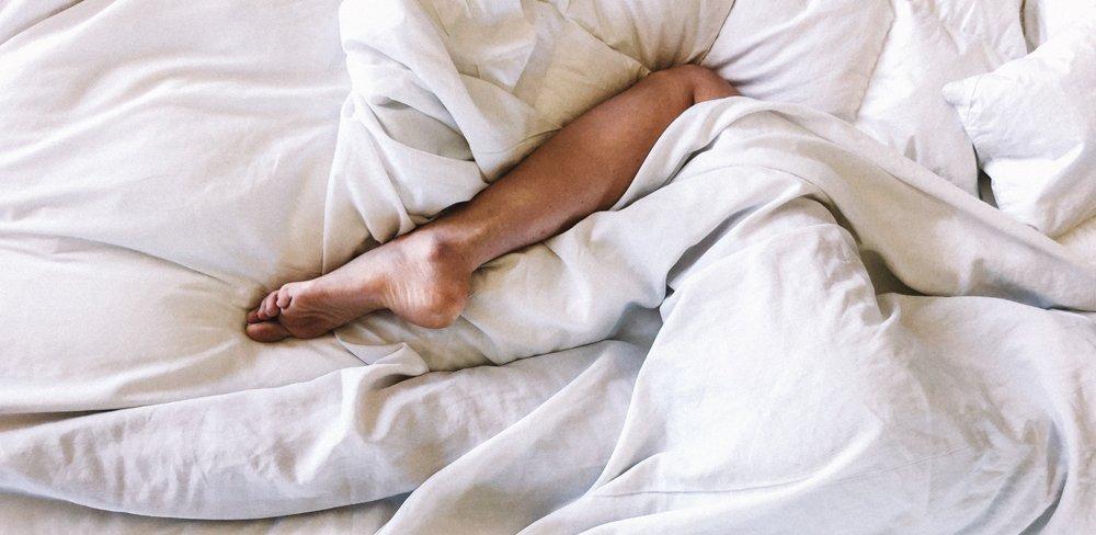 Besser schlafen: Wie eine Gewichtsdecke dabei helfen kann