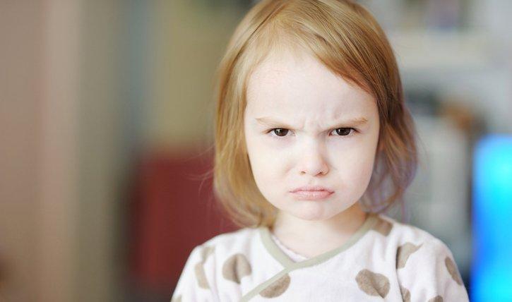 Wenn ein Klienkind schlägt, sollten Eltern Ruhe bewahren. Was Experten jetzt empfehlen.