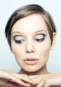 Augen grösser schminken: Make Up Tipps für Rehaugen