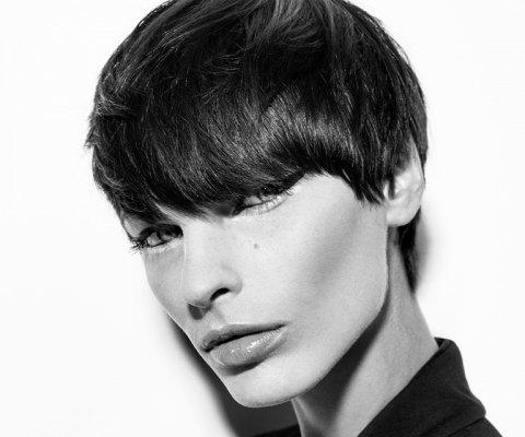 Bubikopf Frisur perfekt für feminine Gesichter.
