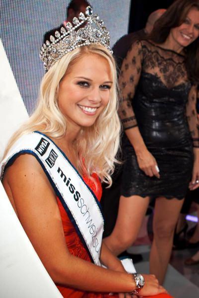 - Miss_Schweiz_2009_Linda_Faeh
