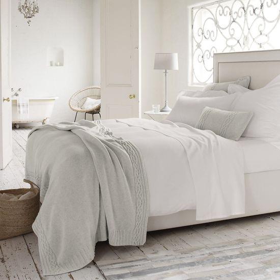 gem tlich wohnen gemachtes bett ohne aufwand. Black Bedroom Furniture Sets. Home Design Ideas