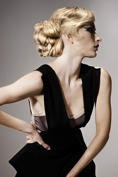 frisuren f r lange haare elegante hochsteckfrisuren. Black Bedroom Furniture Sets. Home Design Ideas