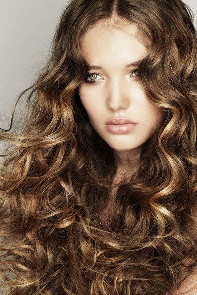 Frisuren Für Lange Haare Verführerisch Lockig