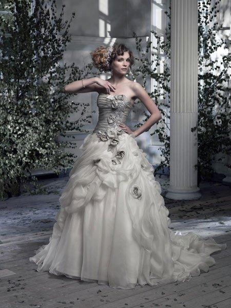 Aussergewohnliche Brautkleider All Eyes On Me