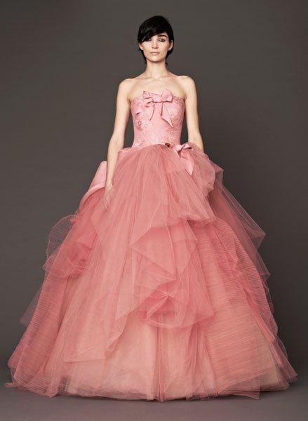 Aussergewöhnliche Brautkleider: Ballkleid in Rosa