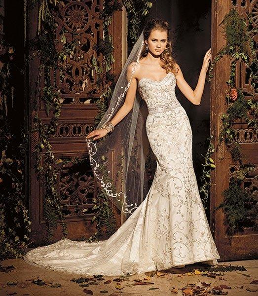 Cremefarbene Hochzeitskleider: Es muss nicht immer weiss sein!