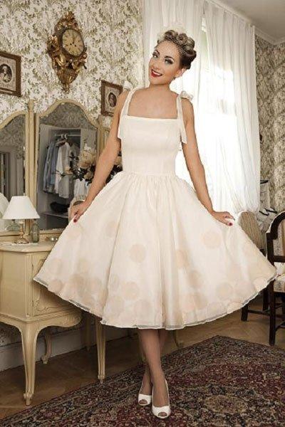 vintage hochzeitskleid gepunktetes petticoat kleid. Black Bedroom Furniture Sets. Home Design Ideas