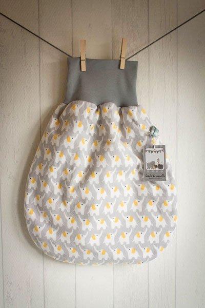 ein klassiker strampelsack als baby shower geschenk. Black Bedroom Furniture Sets. Home Design Ideas